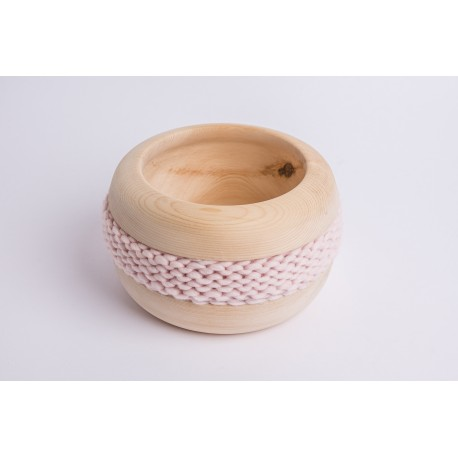 Swiss stone pine bowl Coco with Merino wool ribbon (Rose)