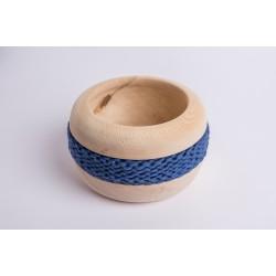 Ciotola di pino cembro Coco con fascia di lana merino (Blu Antico)